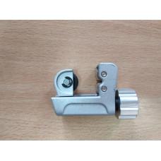Труборіз E-319 1/8- 3/4 (3,2-19mm) маленький